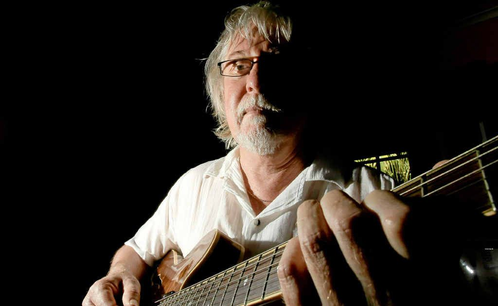 Jim Kelly has quit as a teacher at Southern Cross University's School of Contemporary Music because he doesn't possess a degree.