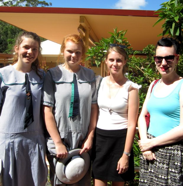 Students from Matthew Flinders and USC working to help street families in Manila, Philippines