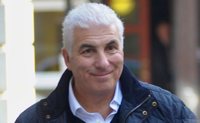 Mitch Winehouse shocked by unqualified coroner.