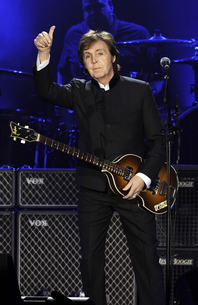 Paul McCartney will unveil Hollywood Walk of Fame star.