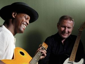 Experience the sounds of Eric Bibb