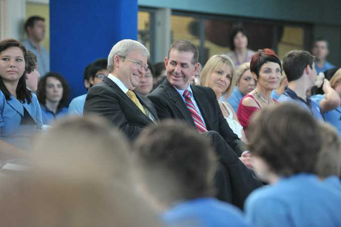 Kevin Rudd and Peter Slipper during a visit to Kawana Waters State College.