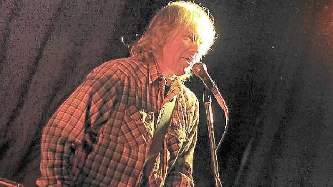 Steve Reynolds from Slug joins The Postmortemists for a Lismore gig.