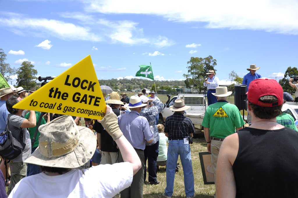Recently 4000 Darling Downs residents put forward a petition urging the government to reinstate mining objection rights.