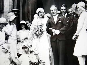 Aged wedding photo needs answers