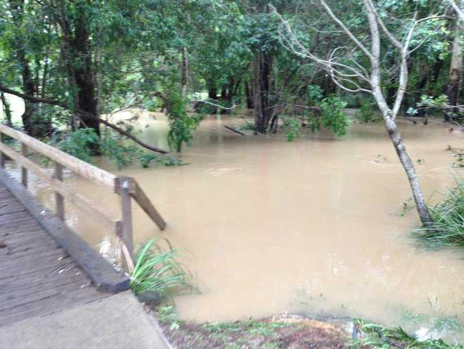 Flash flooding across Noosa hinterland towns of Cooroy, Cooran and Pomona