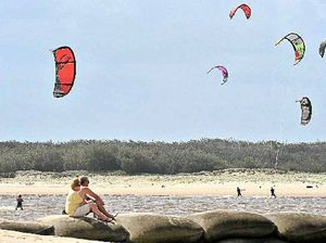 Kite surfers urged to take lessons