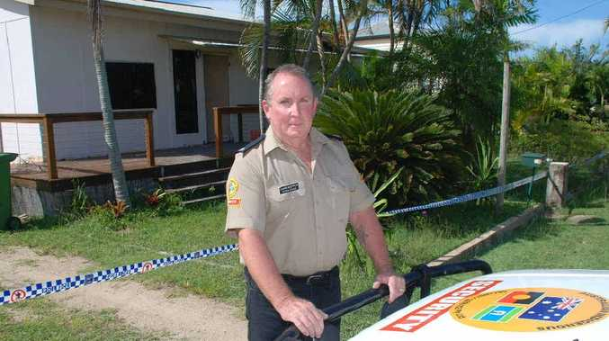 Bowen security officer Garry Hockings has been praised for rescuing a man from a burning house early Wednesday morning.