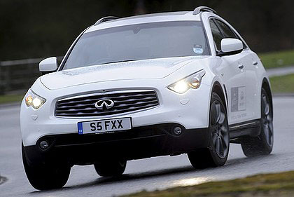 Nissan's Infiniti range could soon feature a camera in the place of the interior rear-view mirror.