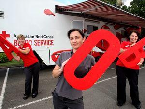 Police donating blood on Sunshine Coast