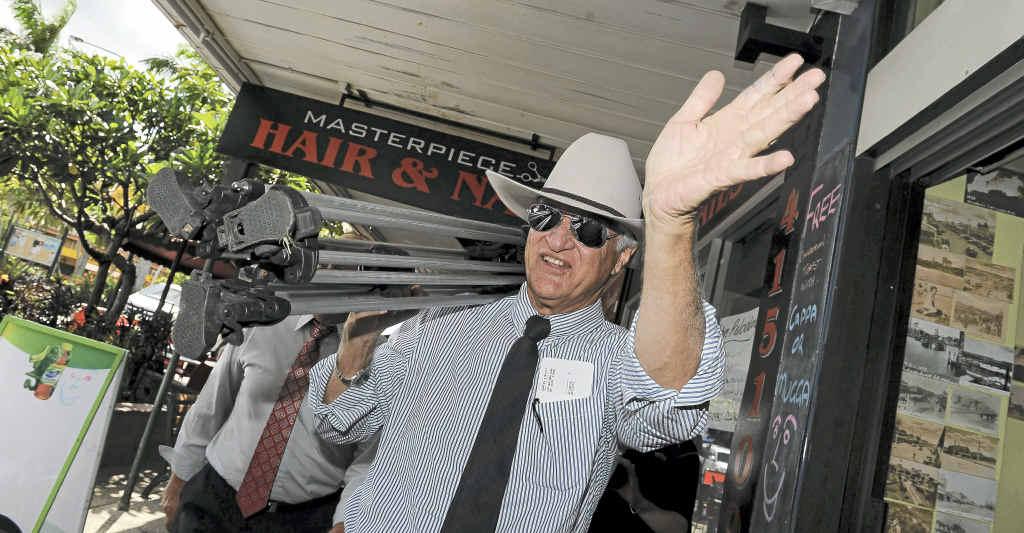 Bob Katter greets the Bundaberg shoppers in Bourbong St.