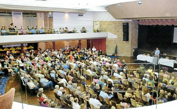 About 700 people attended an anti-coal seam gas public meeting in Lismore on March 1 and a rally is planed at the Metgasco office tomorrow.