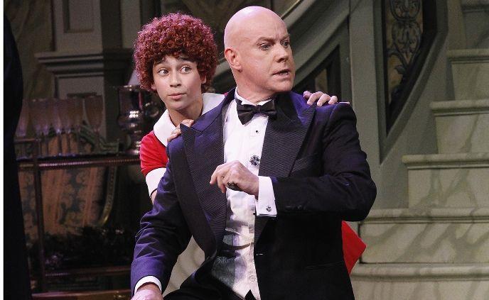 Annie (Sienna Elchaar) and Daddy Warbucks (Anthony Warlow) in the Sydney production of Annie.