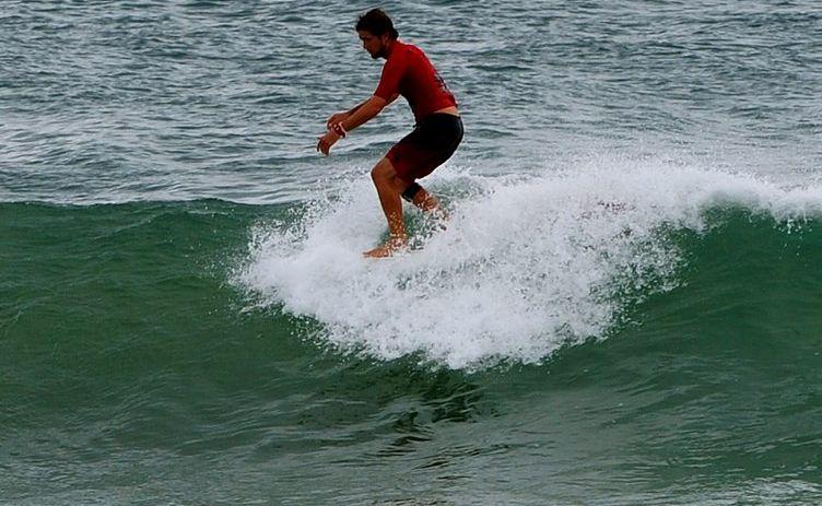 Harley Ingleby has noseridden his way to a successful 2012 Surftech Kingscliff Australian Longboard Surfing Open start.