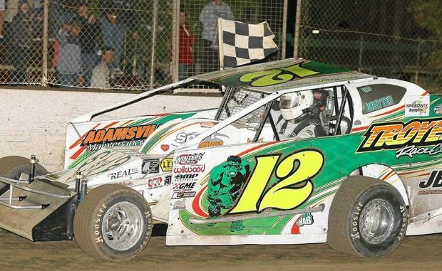 Kevin Britten on his way to winning the NSW V8 Dirt Modified Championship at Lismore Speedway on Sunday night.