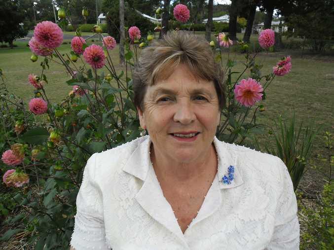 Cr Denise Ingram