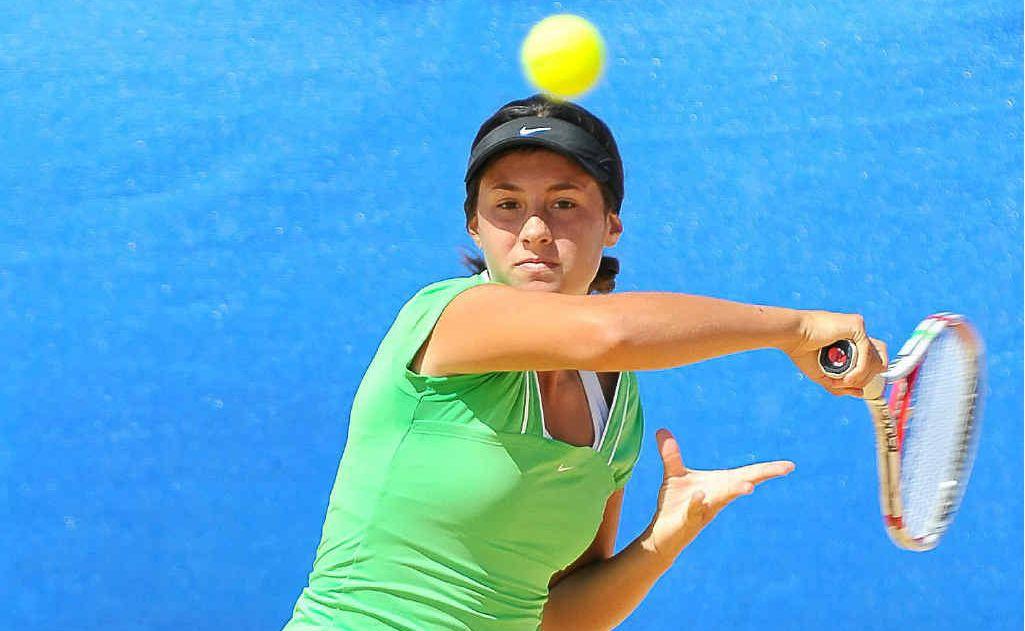 Sara Tomic takes aim in the Queensland Junior Claycourt International.