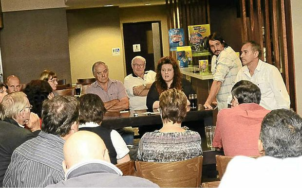 A public meeting co-ordinated by home owners Kelly and Justin Clark and chaired by MP Chris Gulaptis was held at Grafton RSL on Saturday.
