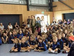 One Mile students lay Anzac Day wreaths