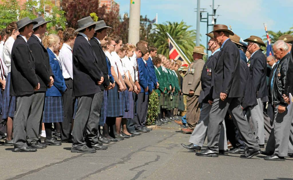 Local veterans and school students took part in Warwick's unique Fade Away ceremony on Palmerin St.