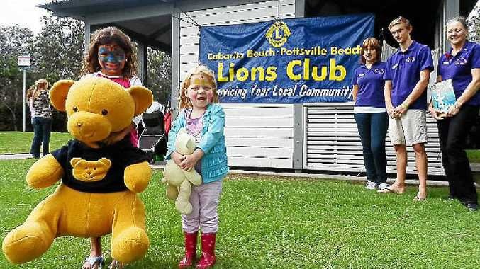 Annie-Mae Wales, 7 from Cabarita, Zoe Gray, 3 from Pottsville, Leos co-ordinator Yvonne Lees, Leos treasurer Callum Watts and Lions Club president Vicky Hansen. Colin Gilmore
