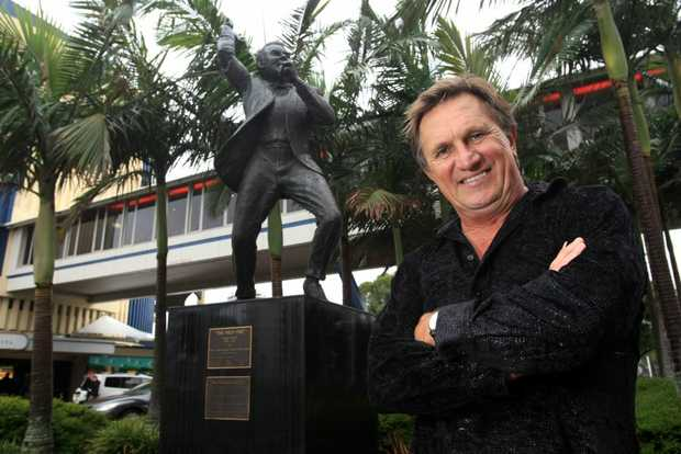 Frankie J Holden is one of the Cooly Rocks On official ambassadors.