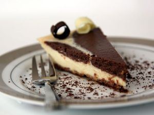 Cookies and cream baked cheesecake