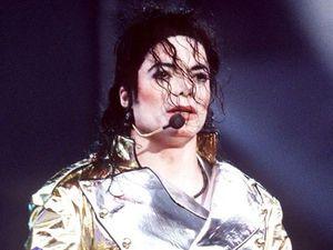 Michael Jackson fronts Pepsi campaign