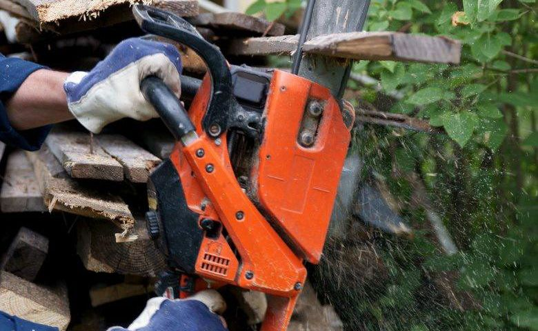 Man arrested in New Zealand after a short chase involving a chainsaw