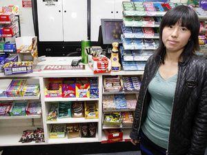 Man with knife robs Yamanto shop