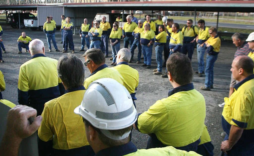 Swanbank Power Station workers at a mass meeting to discuss the future of the plant.