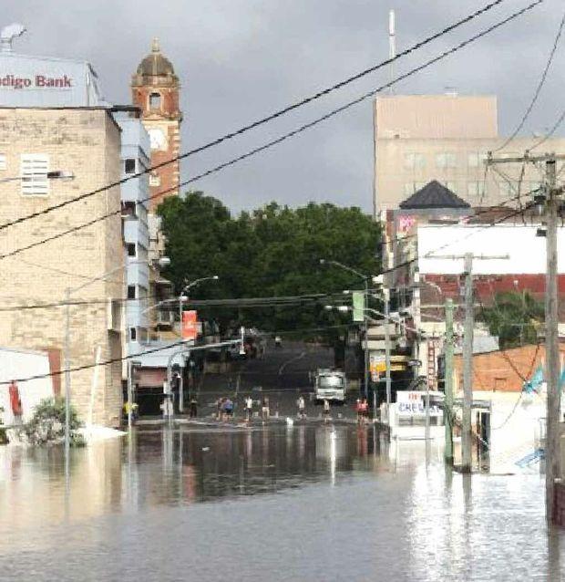 Ipswich CBD under water in 2011.