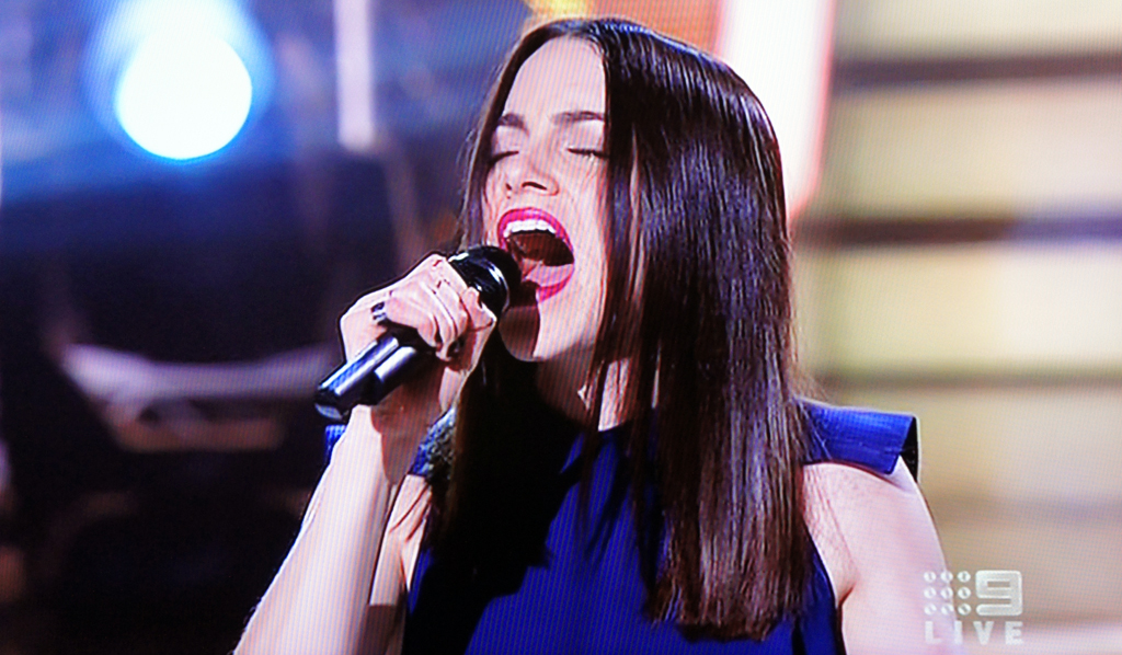 Laura Bunting performing live on The Voice.