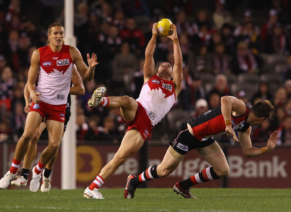 Ben McGlynn of the Swans takes a mark during the round nine AFL match between the St Kilda Saints and the Sydney Swans at Etihad Stadium.