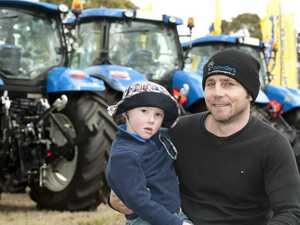 FarmFest continues despite chill