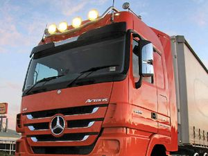 ACTROS CARRIES THE LOAD