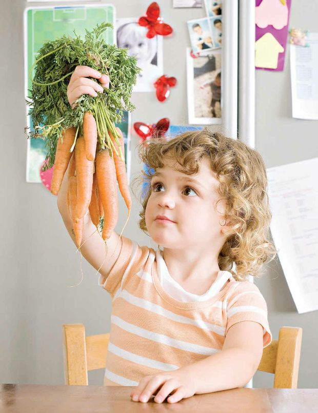 Eating fruit, vegetables and nutritious wholegrain foods can help kids develop their bright minds.