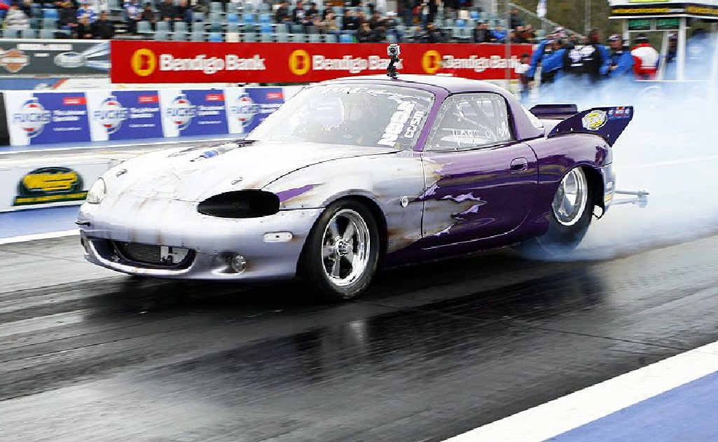 Action from the Winternationals at Willowbank Raceway.