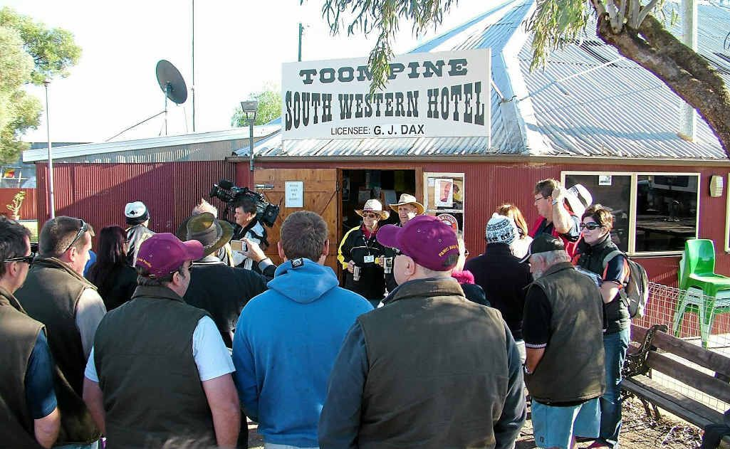 Angel Flight Trailblazers arrive at the 100-year-old Toompine South Western Hotel.