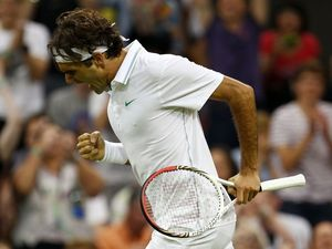 Federer, Djokovic advance to ATP finals championship match