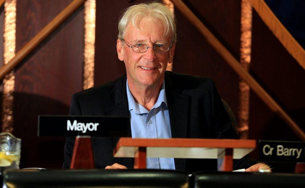 Mayor Barry Longland