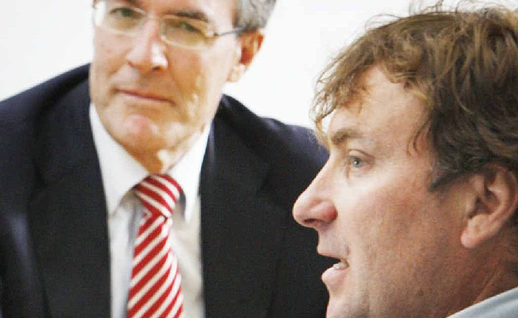Parliamentary Secretary for Climate Change Mark Dreyfus meets local business people including Brad Zanow, of Zanow's Sand and Gravel, to discuss the carbon tax.