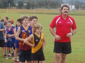Dipper runs Coffs AusKick clinic