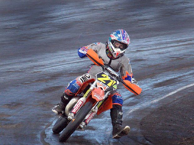 Jarred Brook takes a corner in his efforts to claim an Australian title.