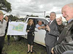 Minister praises housing project