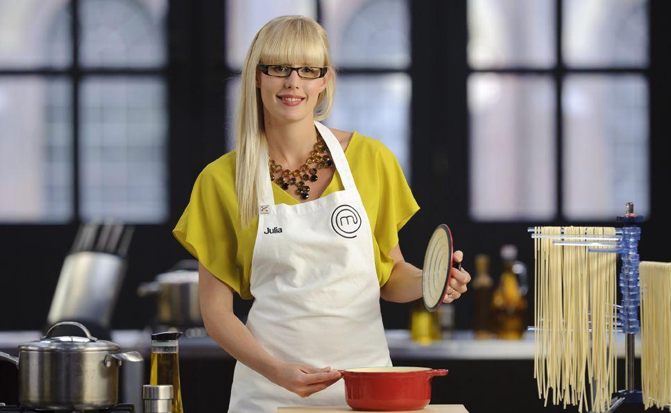 Top 3 contestant Julia Taylor.