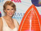 Swift wins big at Teen Choice Awards
