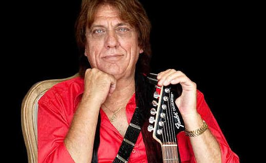 Jon English performs hits from the '60s and '70s on his Rock Revolution tour.