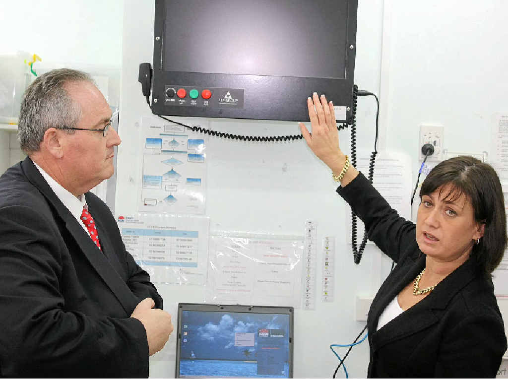 Justine Elliot and MP Walt Secord inspect the telehealth facility at Mullumbimby Hospital.