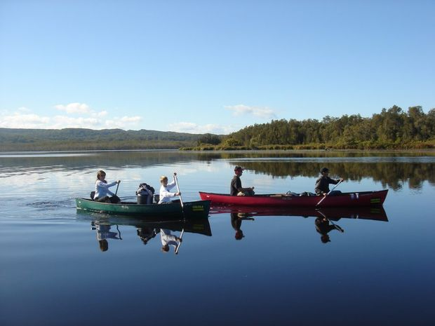 Kanu Kapers canoe tours showcase the beautiful Noosa Everglades.